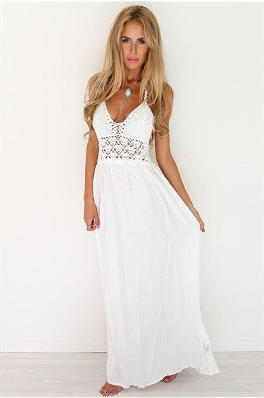 Longue robe blanche hippie a fines bretelles