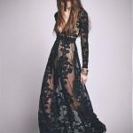 Ravissante robe full dentelle longue noire a manches longues