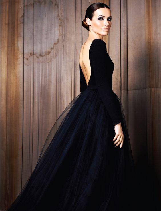 Robe de danseuse ballerine longue noire en tulle manche longue