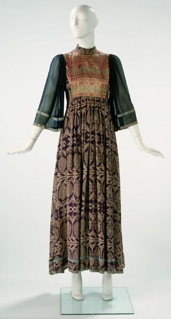 Robe longue bohemienne ras du cou manche trois quart