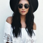 Robe longue boho chic crochet blanche epaules denudees