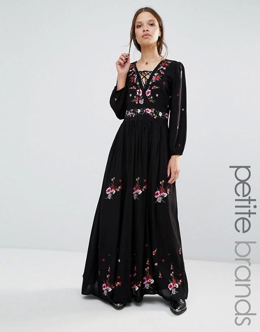 Robe longue noire boheme avec motifs colores