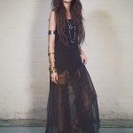 Robe longue style boheme noire et transparence dentelle