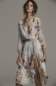 Ravissante robe mi longue