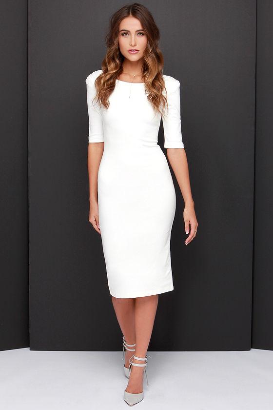 Robe elegante blanche manche mi longue moulante