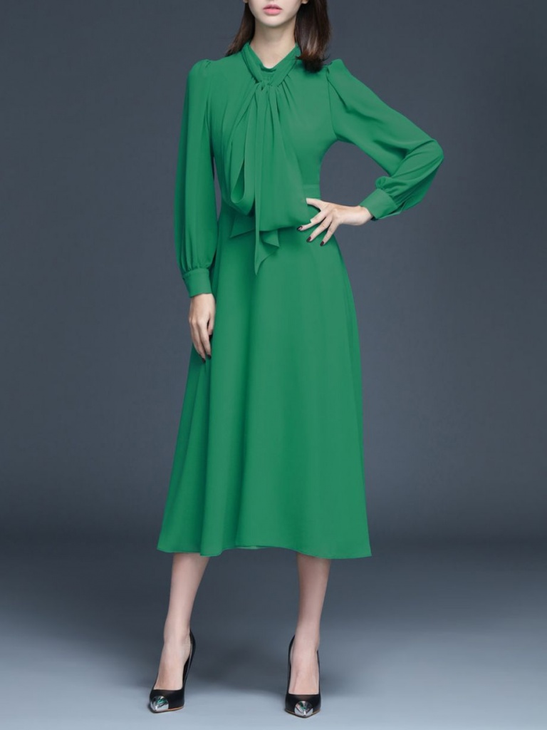 Robe elegante verte mi longue evasee
