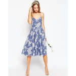 Robe ete fine bretelle bleu motif floral longueur dessous genoux