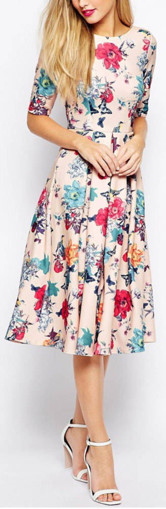 Robe fraiche mi longue ete rose pale a fleurs bleues rouges jaunes manche mi longue