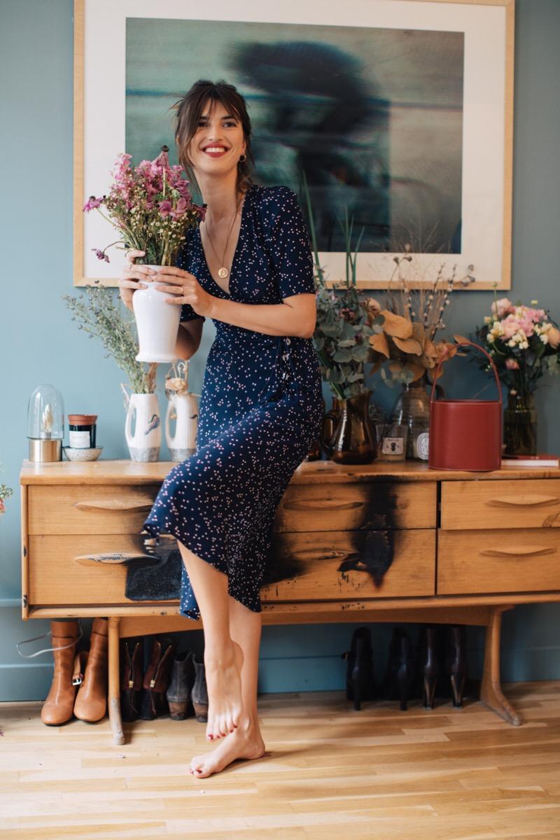 Robe mi longue manche mi longue bleu marine motif floral