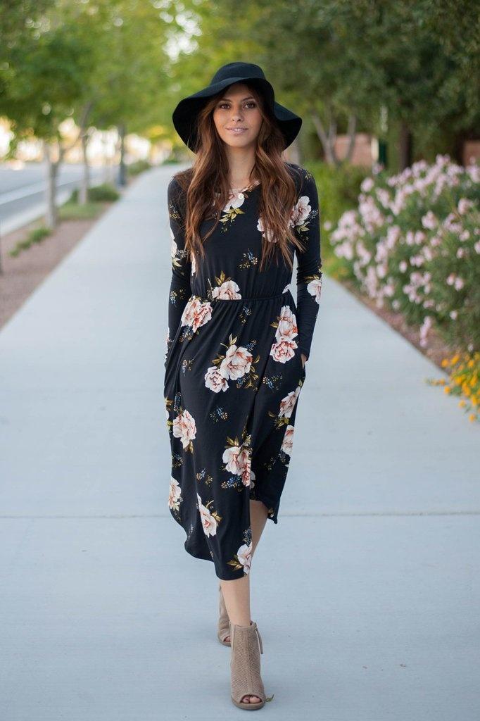 Robe porte feuille mi longue ete noire motif floral rose