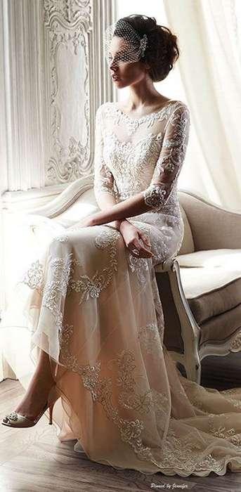 Belle robe longue dentelle mariage raffinee