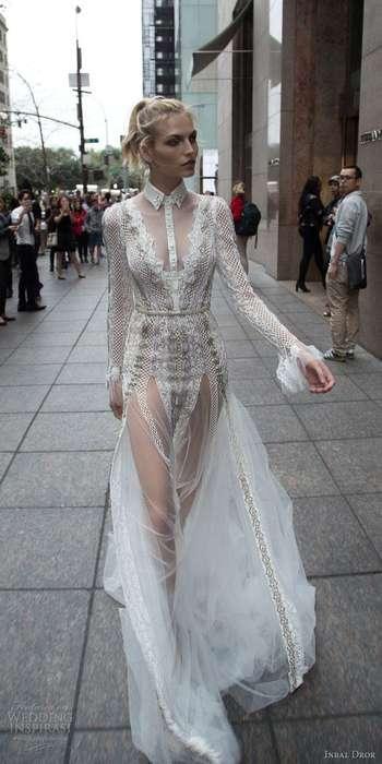 Robe blanche tres transparente longue dentelle