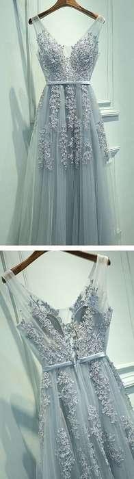 Robe dentelle bleu pale longue en transparence avec fines bretelles