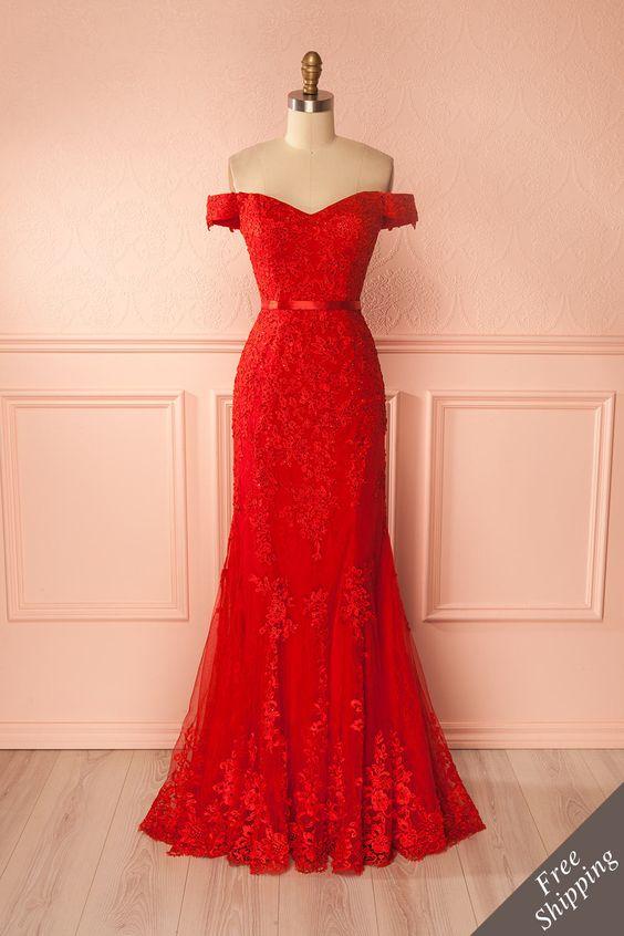 Robe dentelle longue rouge epaules nues bretelles tombantes