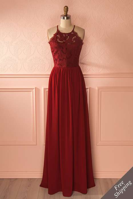 Robe dentelle longue rouge ras de cou