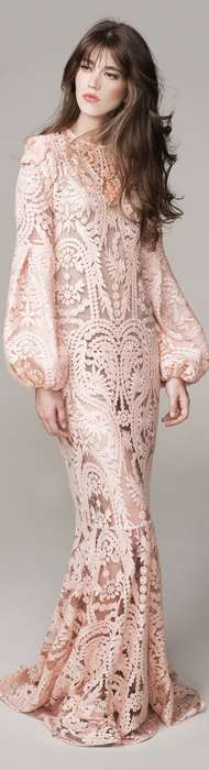 Robe longue boheme dentelle rose avec manches longues ballon
