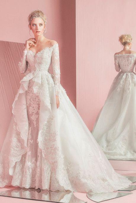 Robe longue de princesse en dentelle rose pale