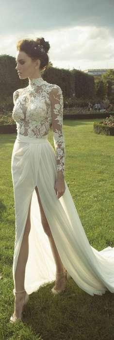 Robe longue dentelle ras de cou mariage jupe fendue haut sur le devant