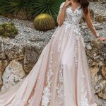 Robe longue manches courtes dentelle mariage rose pale