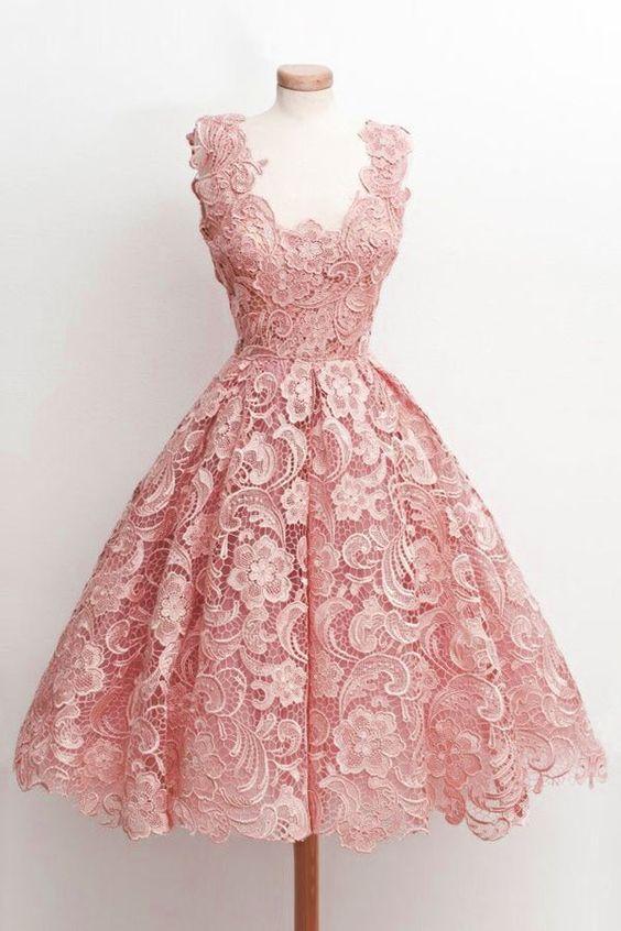 Robe mi longue dentelle rose raffinee