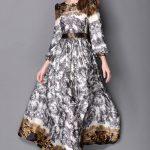 Jolie robe fluide longue avec bel imprime sur manches longues