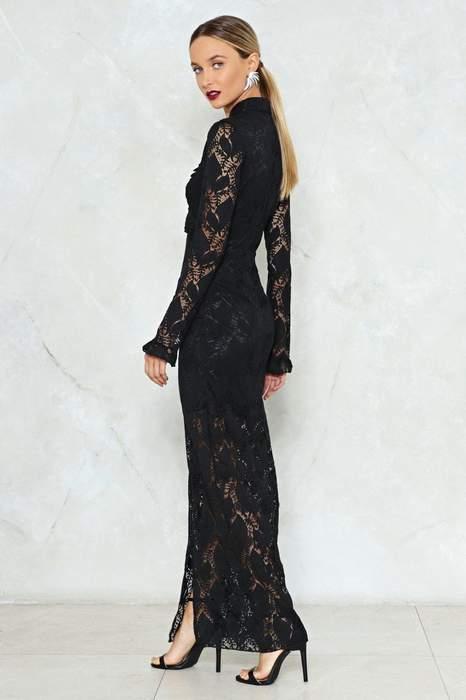 Maxi robe dentelle noire manches tres longues