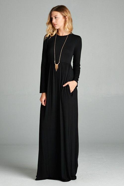 Maxi robe noire fluide ras de cou manches longues