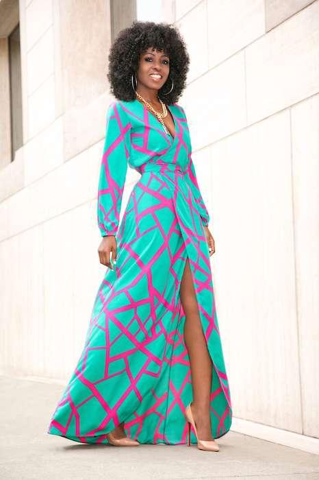 Robe aqua et rose motif geometrique longue manche longue
