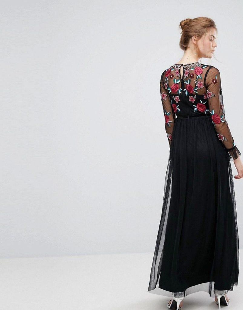 Robe noire imprime fleuri sur manches longues transparentes en voile