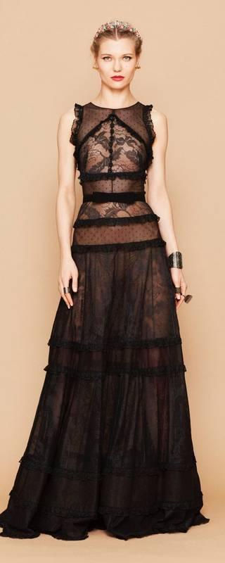 Magnifique robe noire par george hobeika