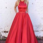 Robe de princesse maxi longue beau rouge soyeux speciale saint valentin