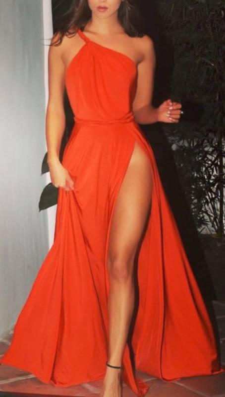 Robe de soiree rouge corail asymetrique fendue cuisse hanche pour saint valentin