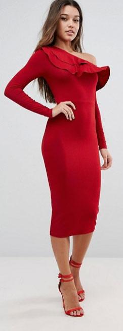 Robe rouge coupe asymetrique mi longue saint valentin