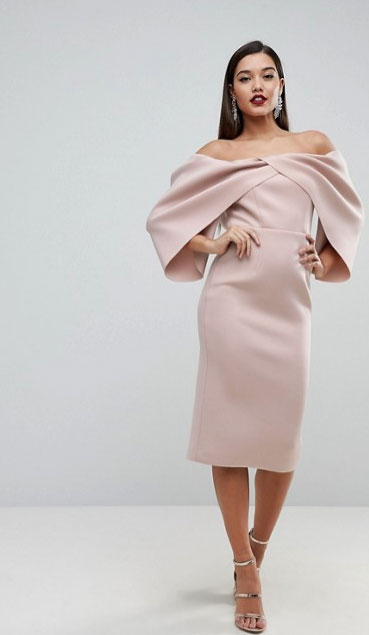 Robe speciale st valentin champagne rose epaules denudees